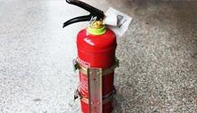 干粉灭火器使用注意事项